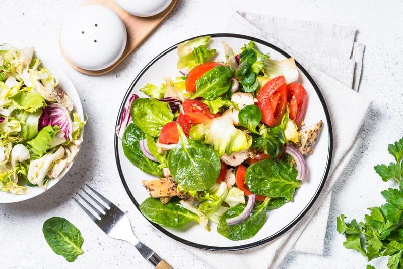 salada frango com manga