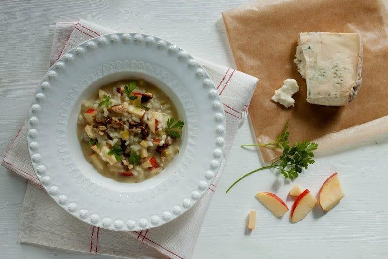 risotto de maçãs, nozes e gorgonzola