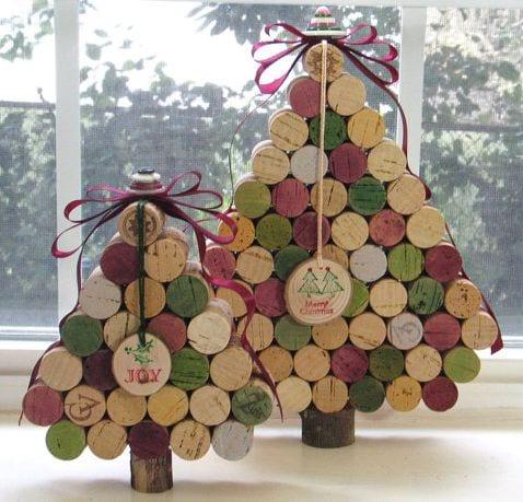 árvore de natal com rolhas