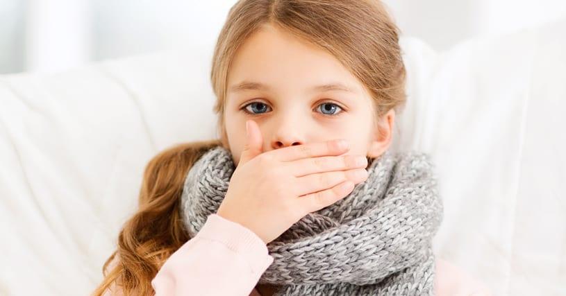 Criança com tosse