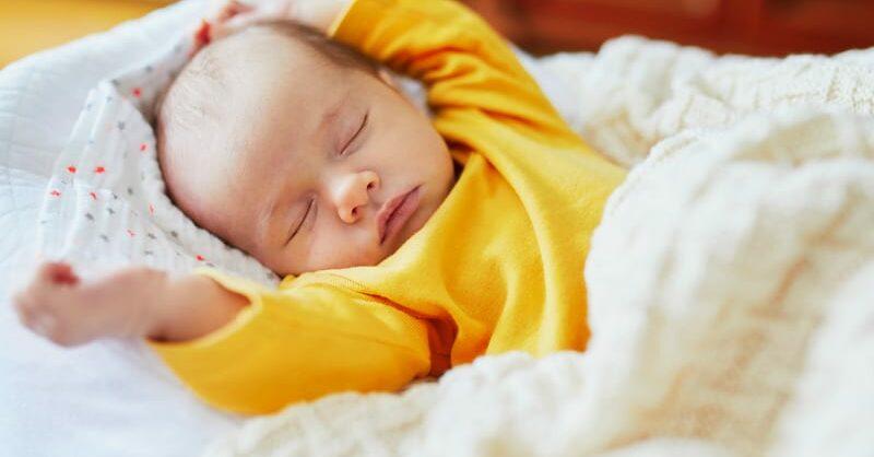 O treino do sono é bom para o bebé?