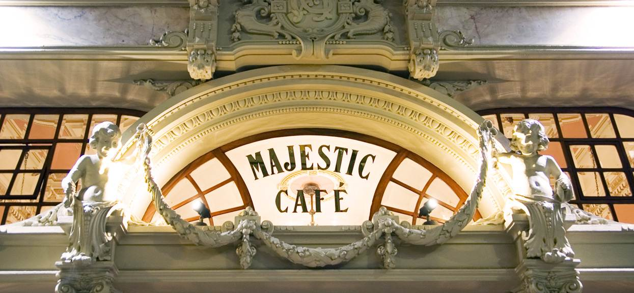majestic café