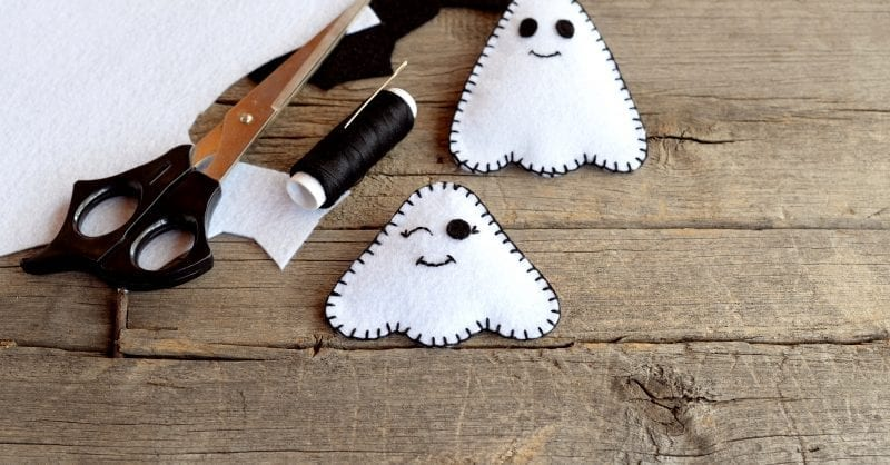 Trabalhos Manuais de Halloween para fazer com as crianças (e enfeitar a casa!)