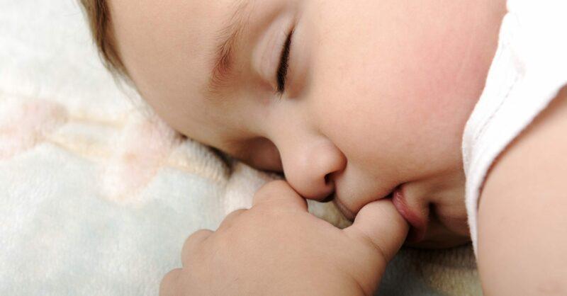 Está na hora do meu bebé dormir. O que devo fazer?