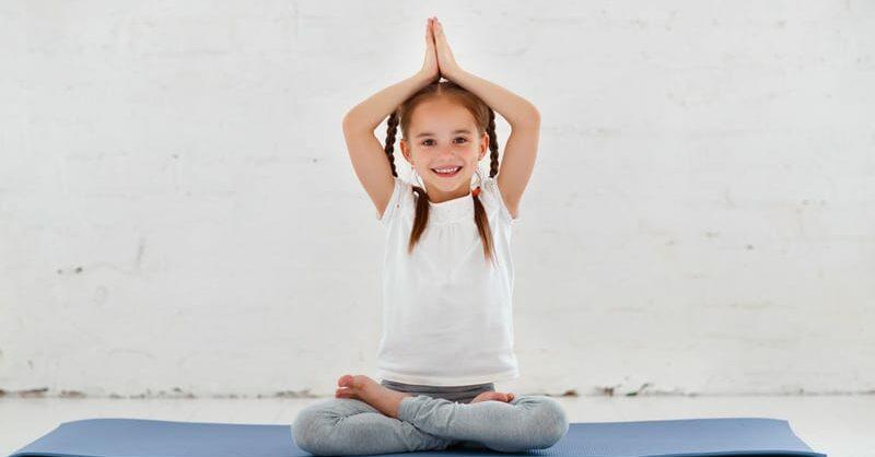 Yoga para crianças e jovens nas escolas