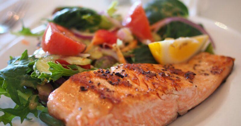 Como escolher o peixe mais saudável?