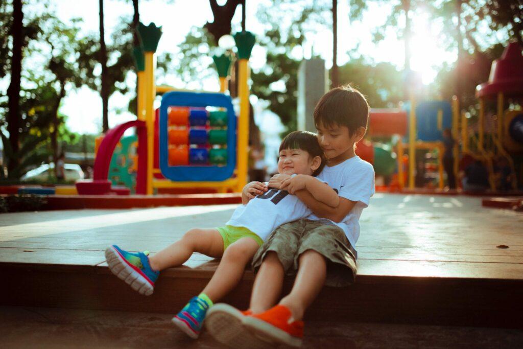 Irmãos tornam-nos pessoas melhores