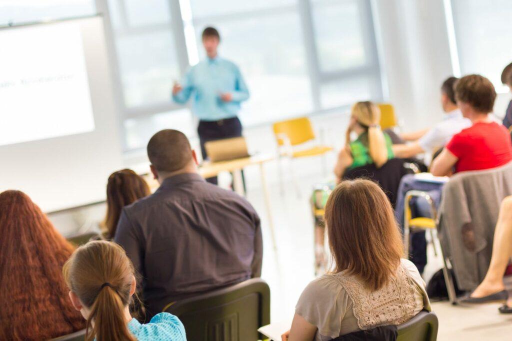 Workshops e Formação para Professores Educadores