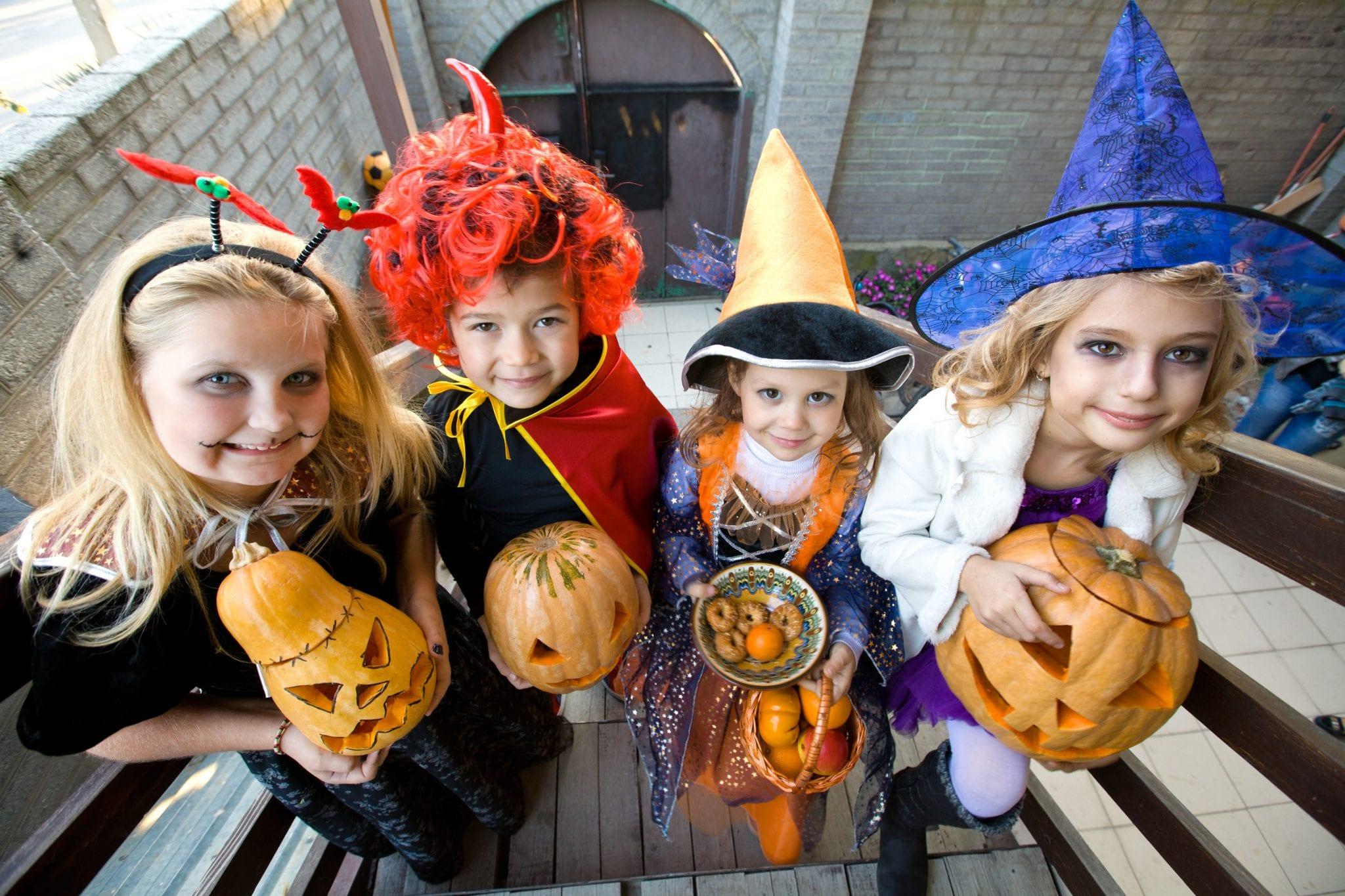Como é que é celebrado o Halloween no México? E na Irlanda? E nos Estados Unidos da América?