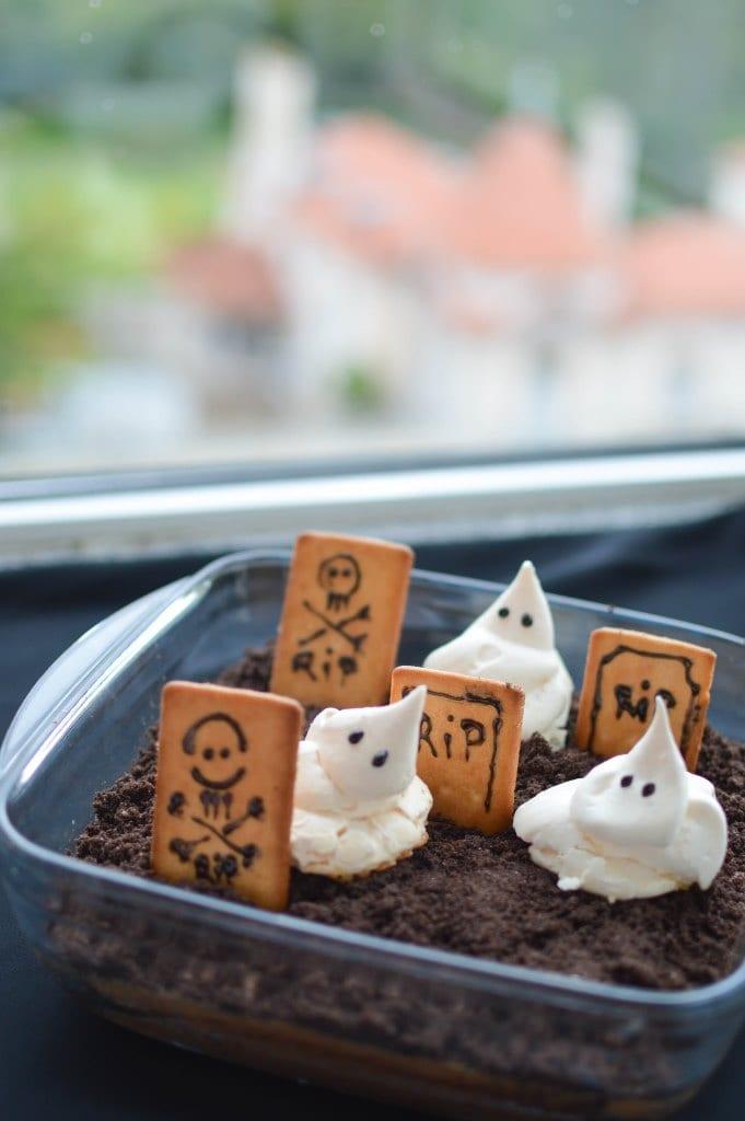 bolo halloween cemitério de chocolate