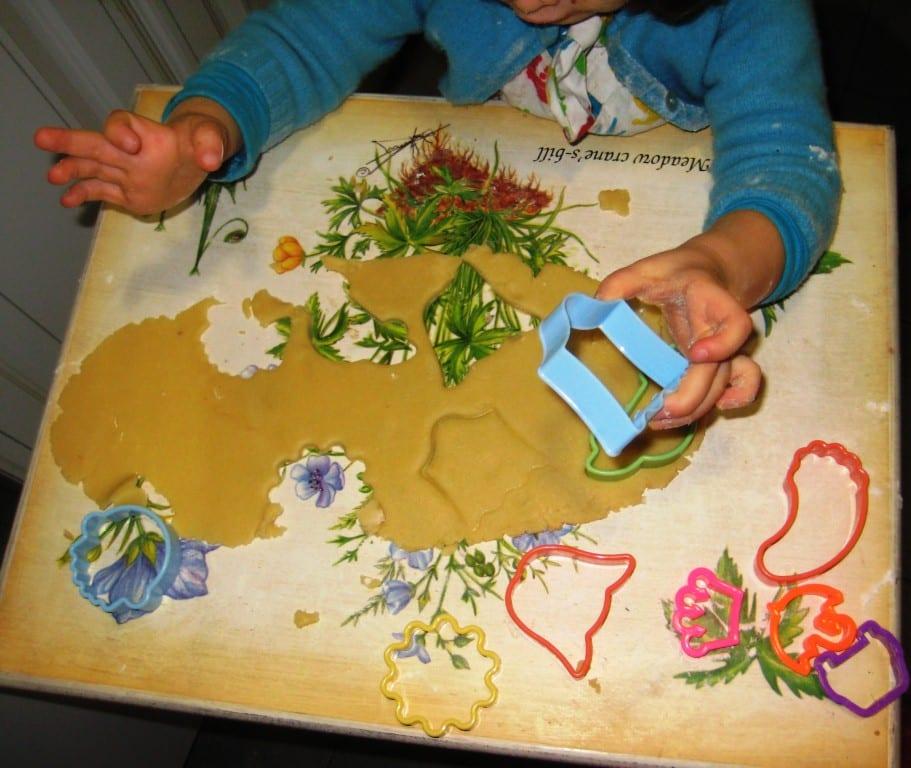 Ideias para fazer com os miúdos no Inverno (sem ecrãs!): Bolachinhas de manteiga