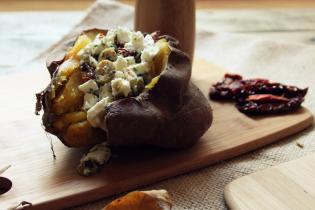 Batatas Doces Recheadas Azeitonas, Feta Tomates Secos