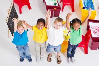 Bebés têm capacidade aprender muitas línguas