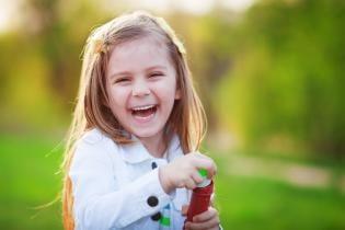 Criancas mais Felizes – Promovendo desenvolvimento saudável completo