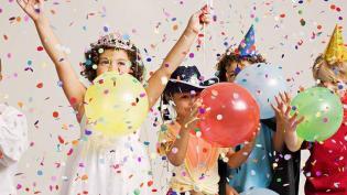 Entre Abraços: Festas de Aniversário Pedagógicas