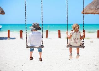 Investigacão Pumpkin: como é as famílias portuguesas ocupam as férias seus filhos