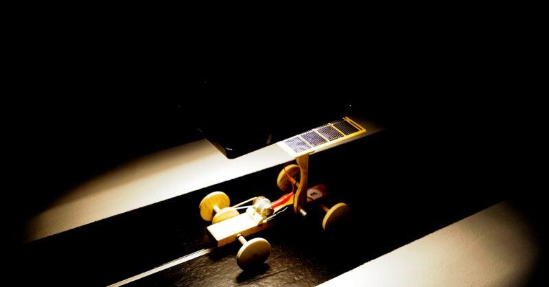 Oficina Criativa MAAT Carrinhos Solares