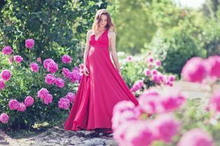 Manter estilo profissional durante gravidez: básicos guarda-roupa