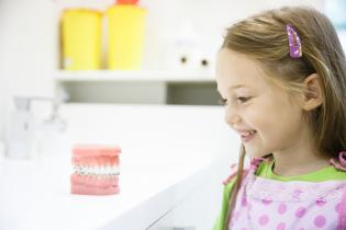 Qual idade ideal 1ª visita odontopediatra?