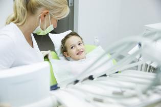 Qual importância visita crianca médico dentista especializado?