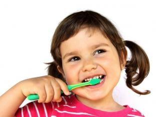 Qual pasta melhor filho como higienizar seus dentes?