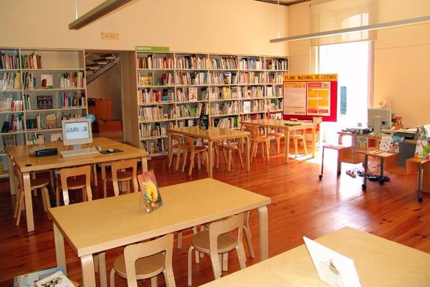 SÁBADOS A CONTAR na Biblioteca Pública Municipal do Porto