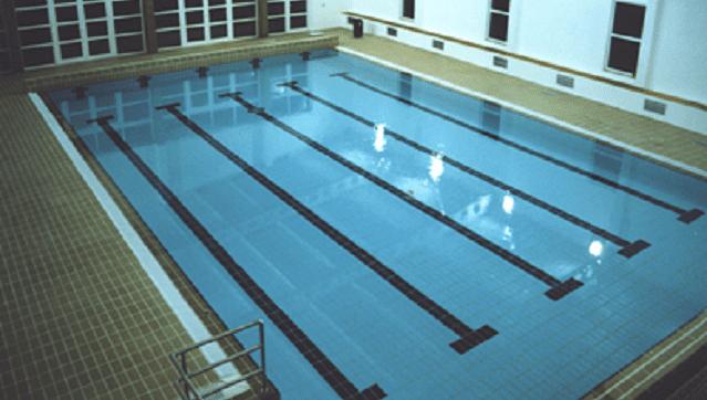 piscina coberta redondo