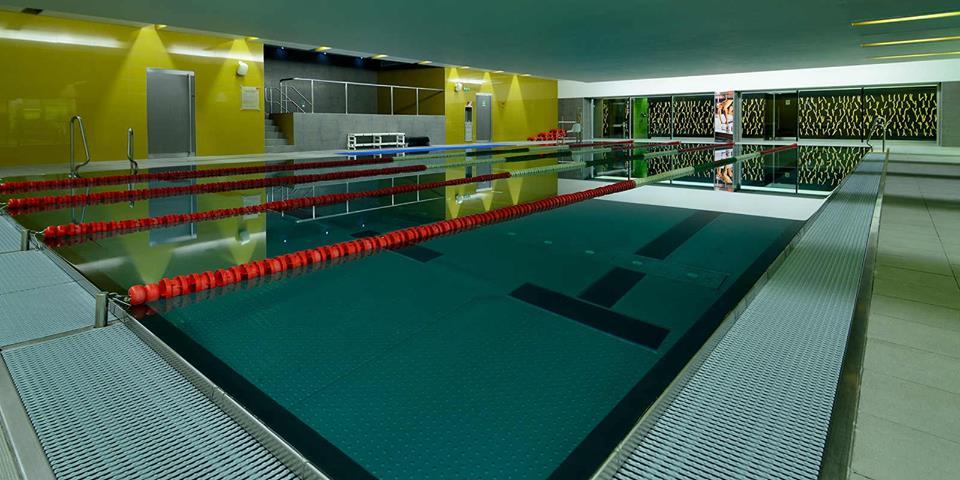 piscinas holmes place - amadora