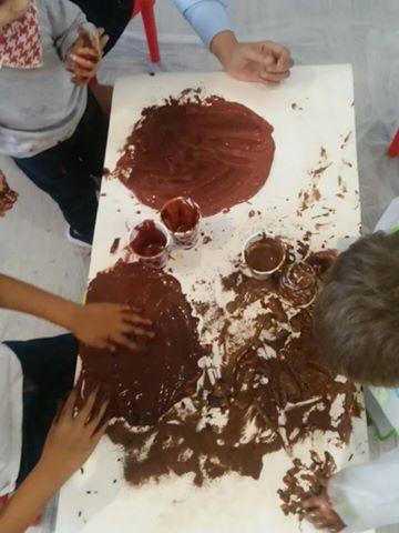 VAMOS PINTAR COM CHOCOLATE E ADOÇAR A PÁSCOA (+12 meses)