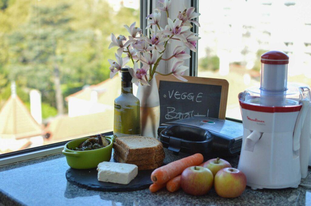 tosta de feta e vegetais grelhados-1