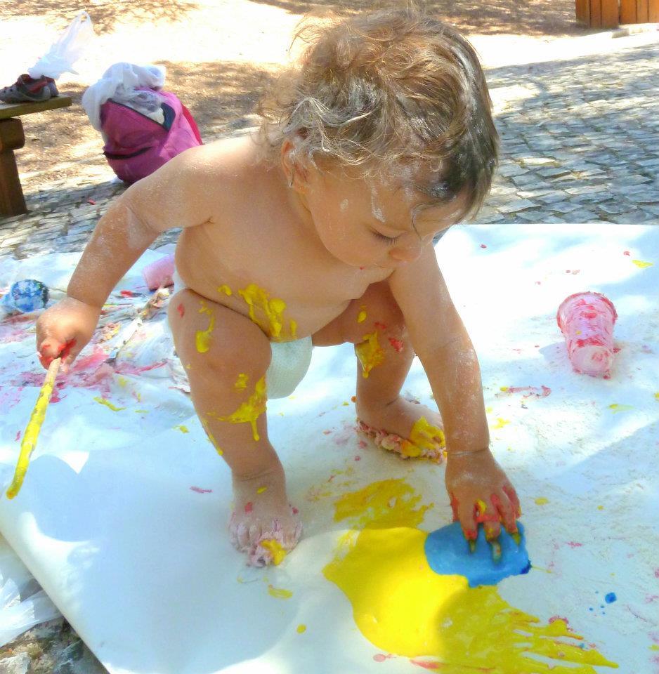 VAMOS AO JARDIM CHAPINHAR, PINTAROLAR E BRINCAR (Tintas Caseiras e Comestíveis) + 6 meses  – ao ar livre