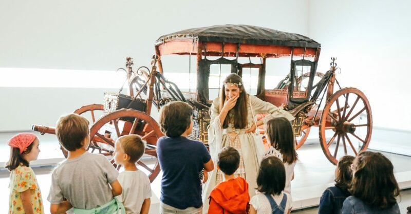 A Rainha Mostra o Museu dos Coches – Carnaval