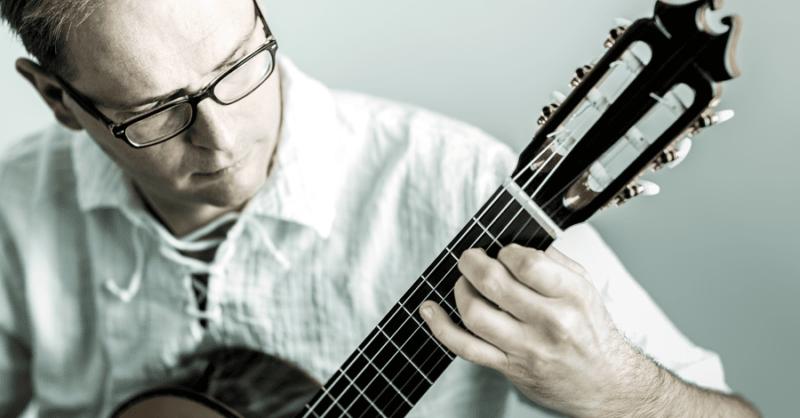 Aulas de guitarra em Cascais com Corcova Música