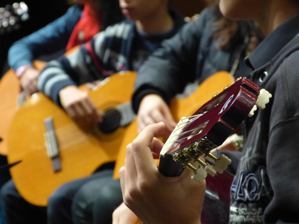 Orquestra de Guitarras – aula experimental