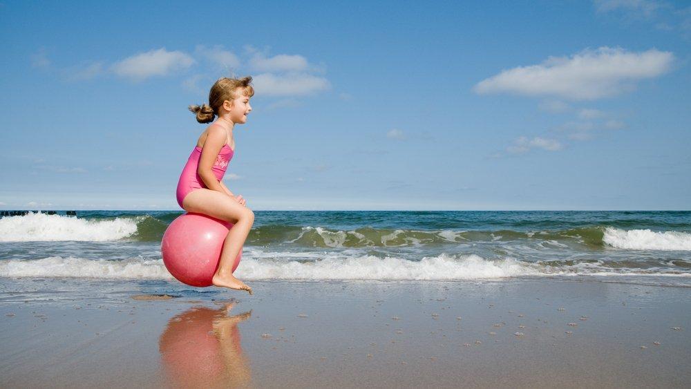 Ideias para refrescar - brincadeiras à beira mar