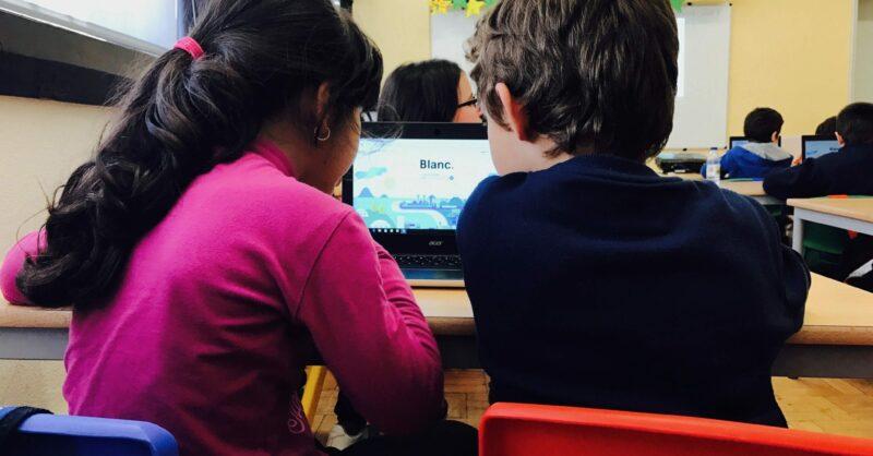 A Academia de Código_Júnior abre vagas gratuitas para as escolas poderem ensinar a programar