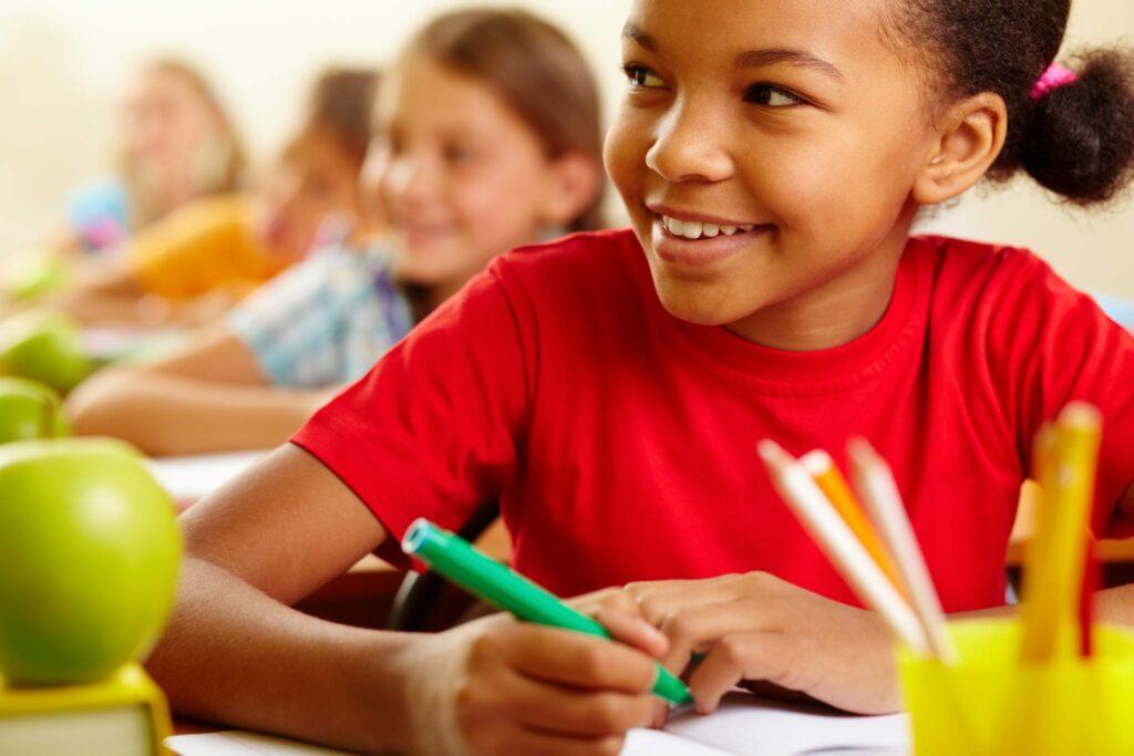 ajudar as crianças a estudar