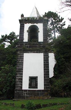 torre-igreja-urzelina