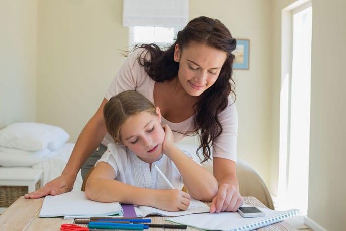 Desconfio que o meu filho tem problemas de aprendizagem e de atenção. O que devo fazer?