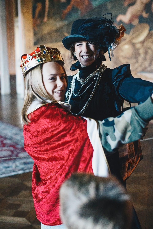 A Rainha mostra o Palácio