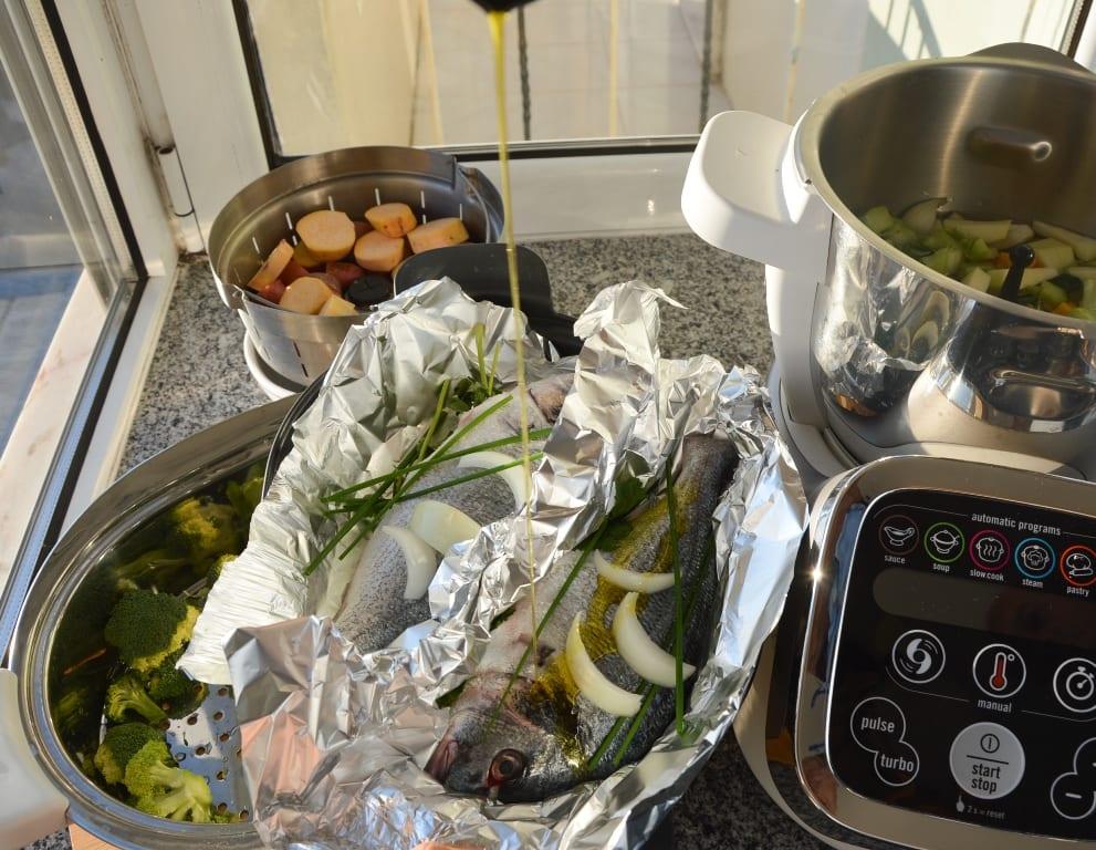 Receita de dourada cozida a vapor e sopa na Moulinex Cuisine Companion