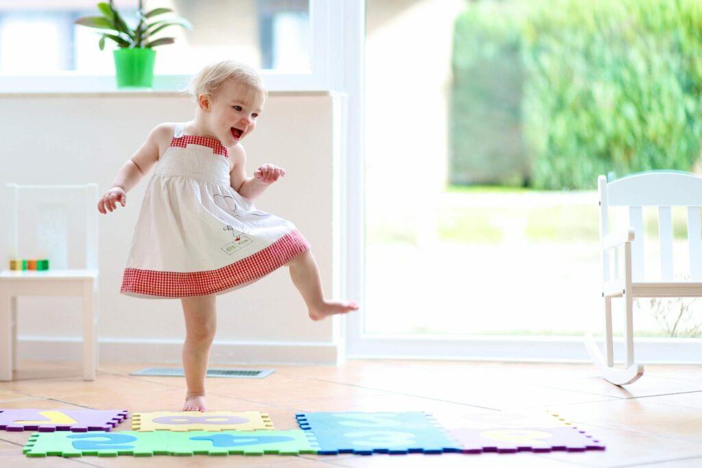 brincadeiras 1 ano atividades para bebé de 1 ano