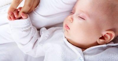 31 músicas para adormecer o seu bebé