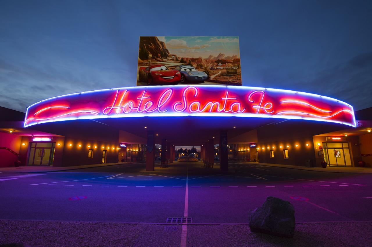 Disney's Hotel Santa Fé®