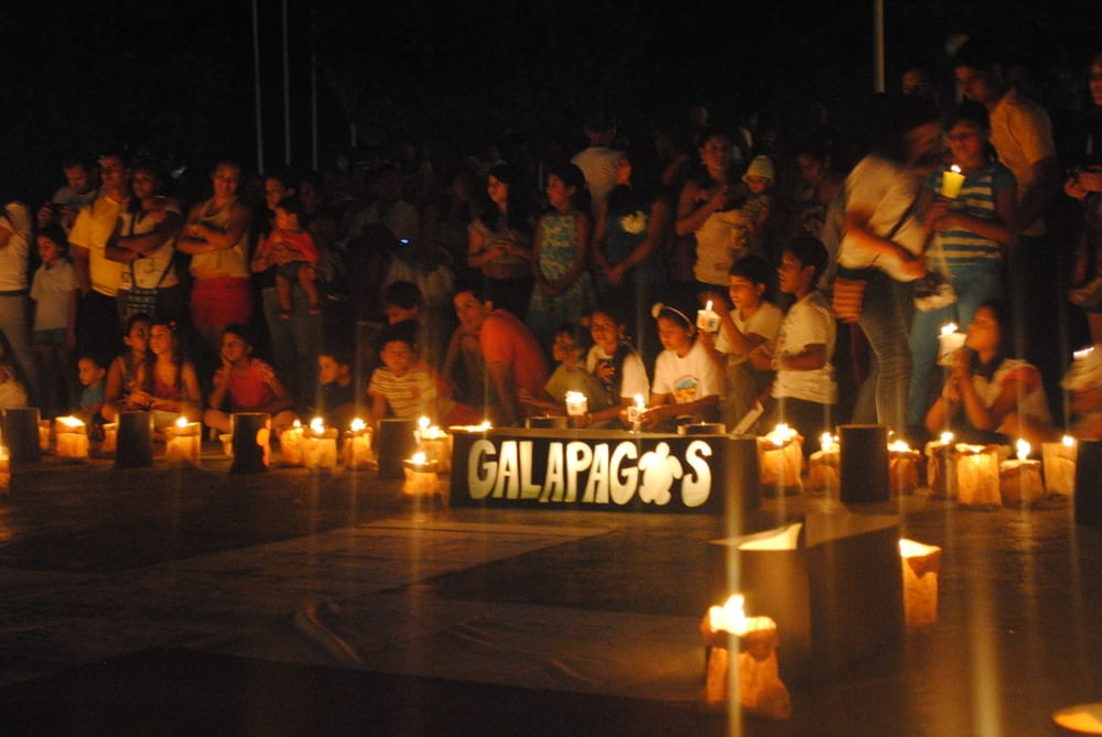 Hora do Planeta celebrado em Galápagos - Earth Hour celebrations at the UNESCO World Heritage site of the Galapagos Islands.