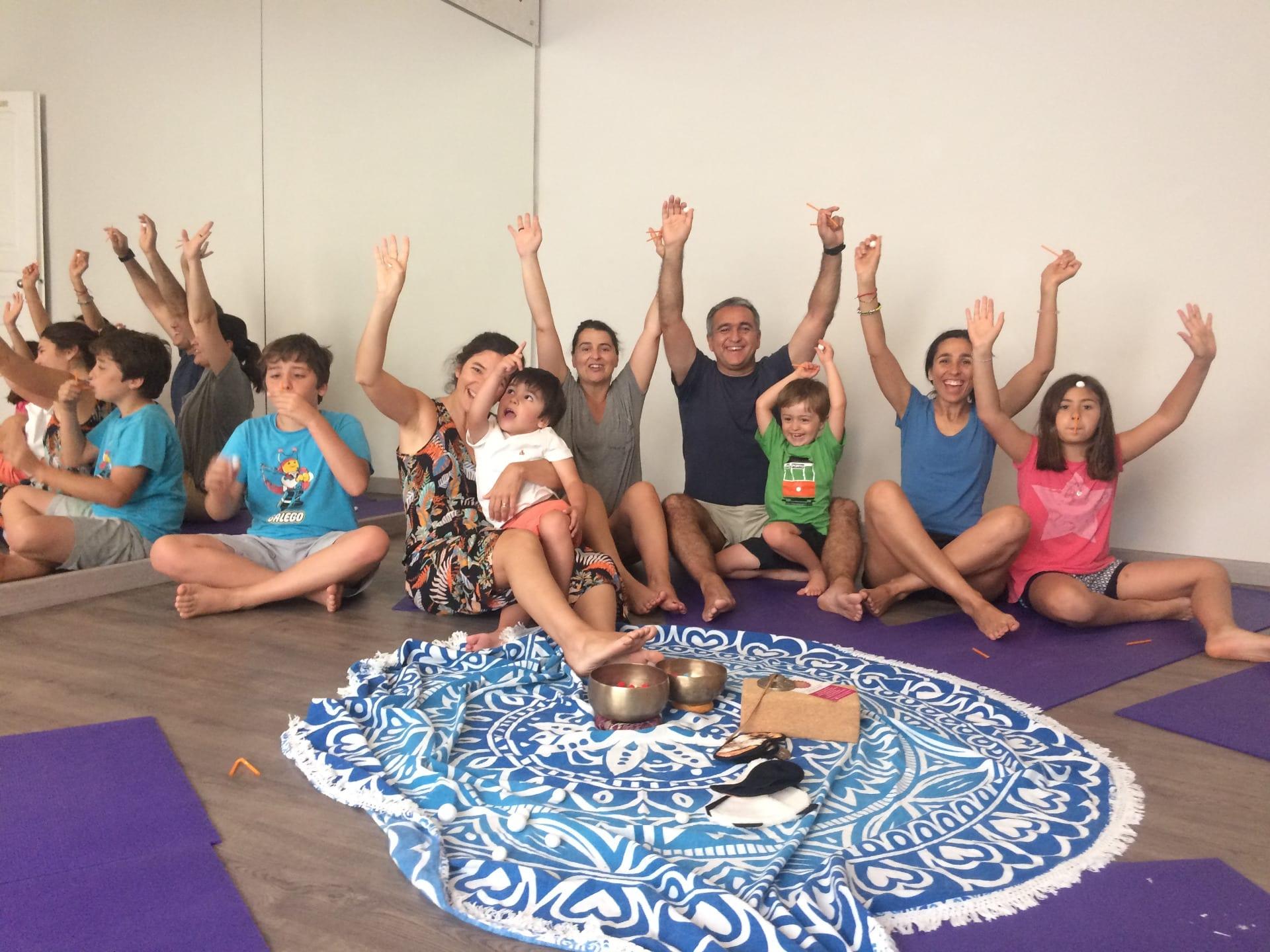Yoga Pais & Filhos