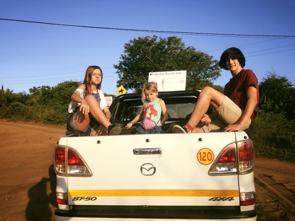 familia terra do sempre em viagem