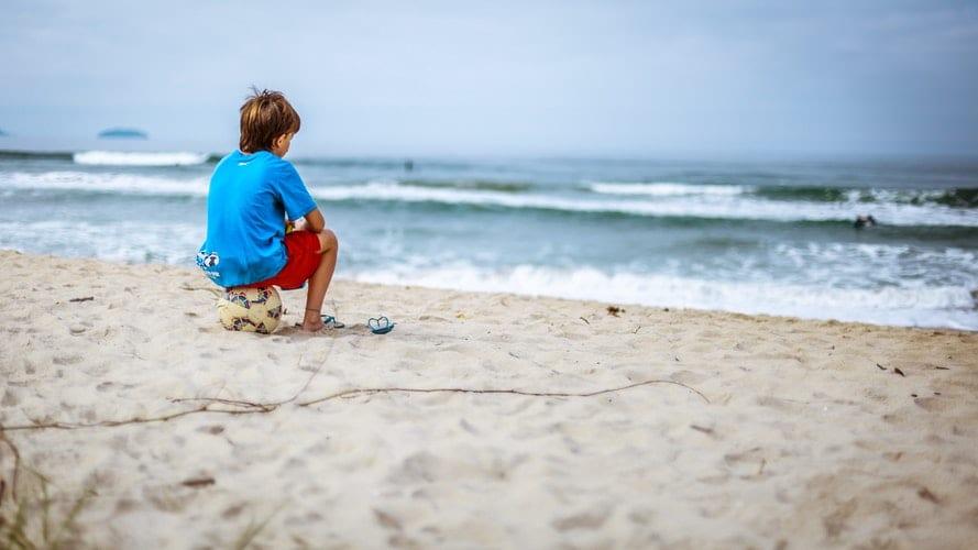 praia crianças