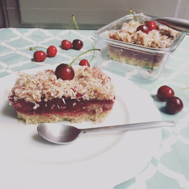 Crumble saudável de quinoa e cerejas