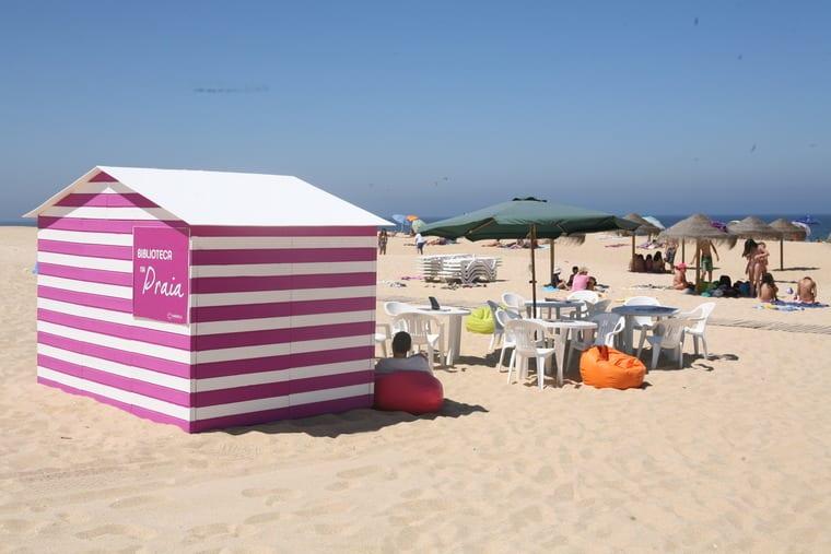Biblioteca na Praia